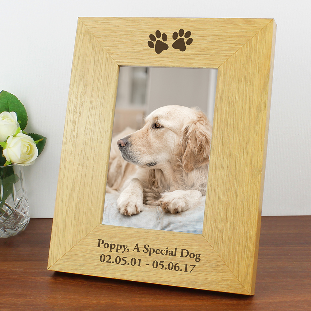 Picture of Personalised Oak Finish Paw Prints Photo Frame (4 x 6)