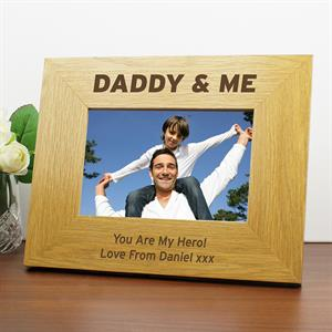 Picture of Personalised Oak Finish 6 x 4 Daddy & Me Photo Frame