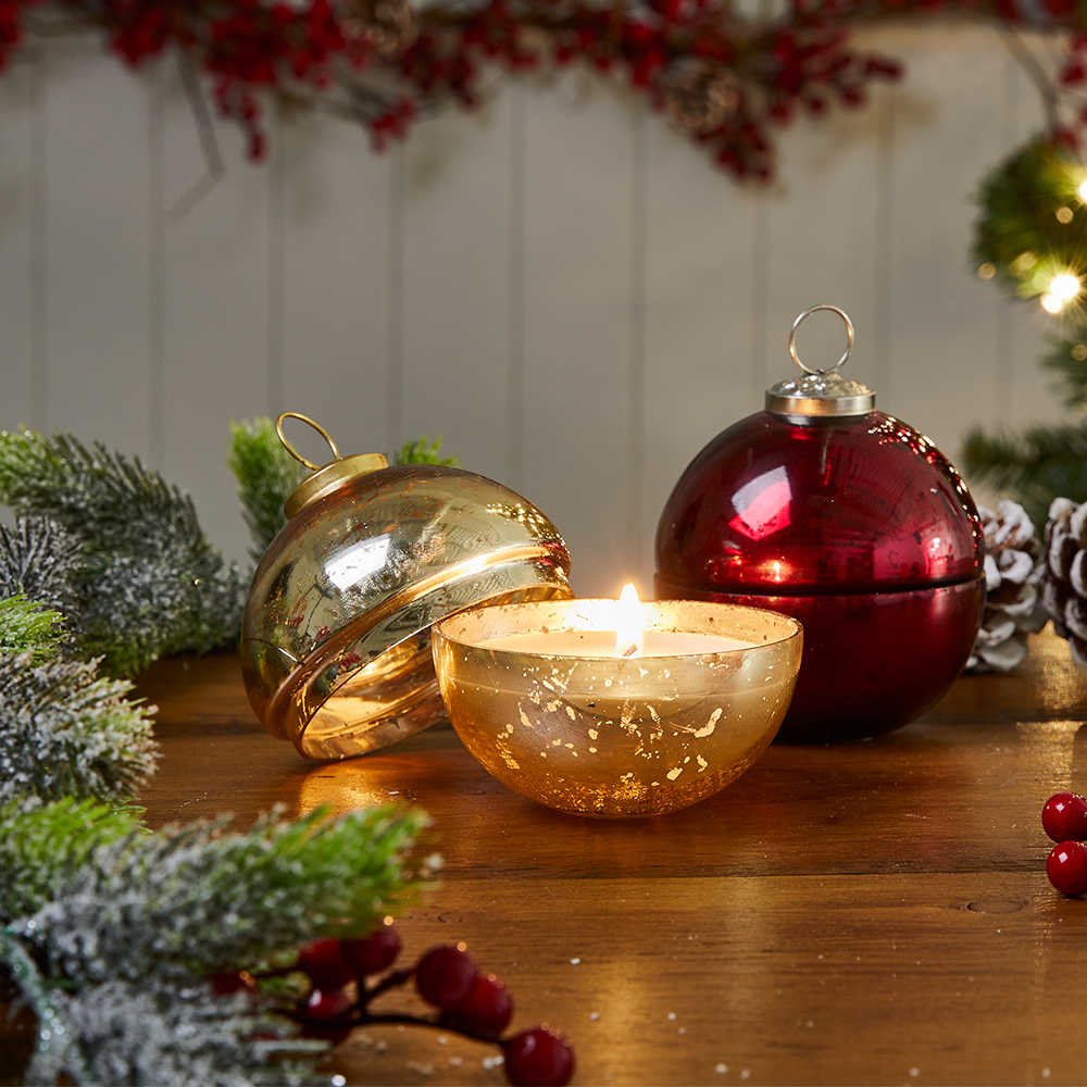 Picture of Bauble Ornament Candle - Gold