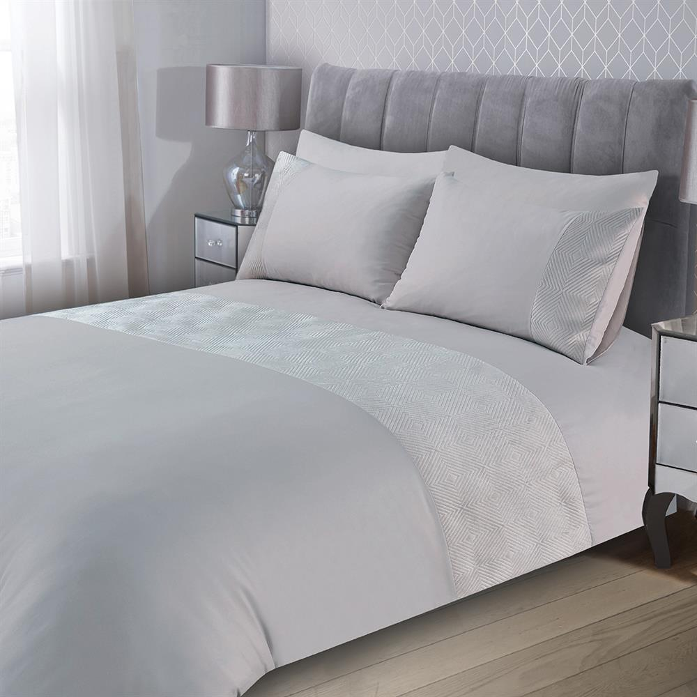 Picture of Home Collections: Pinsonic Velvet Duvet Set - Silver