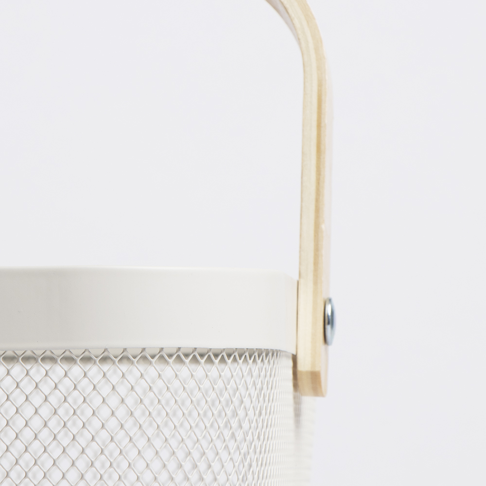 Picture of Mesh Basket with Wooden Handle - White