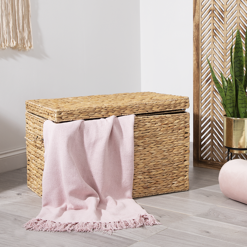 Picture of Home Collections: Cotton Throw - Baby Pink