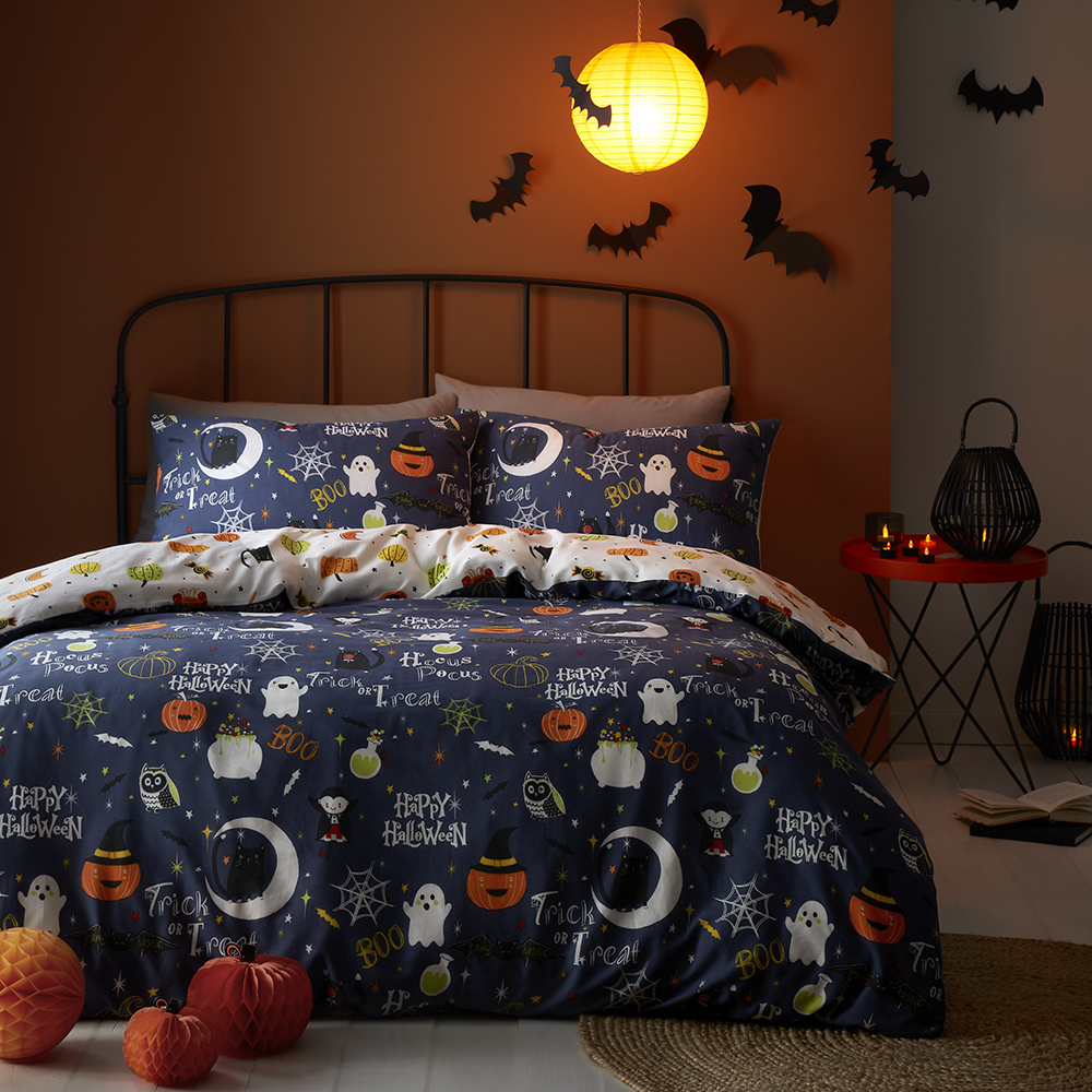 Picture of Hallow-Scream Glow in the Dark Duvet Cover Set
